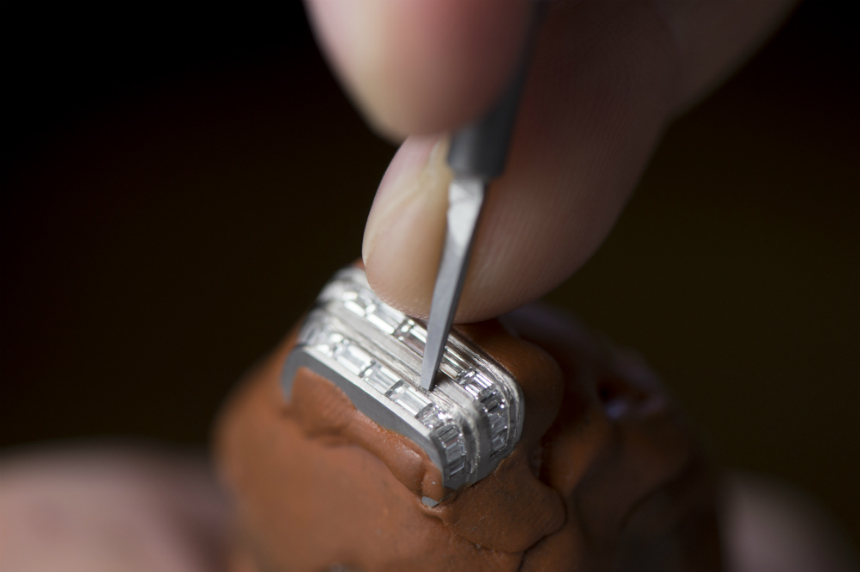 Gemsetting-at-Jaeger-LeCoultre-Manufature-Ceveline-
