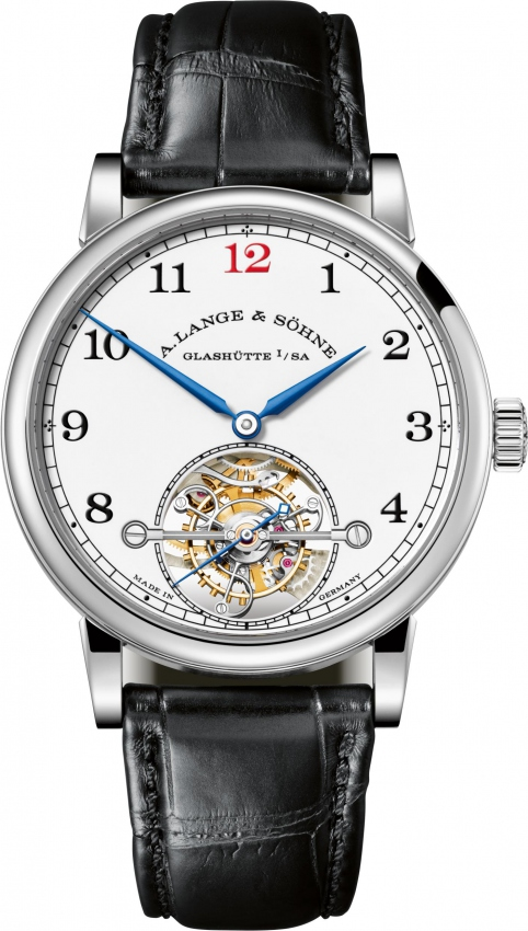 The blue hands and Arabic numerals hour markers are striking on the white enamel dial, also paying tribute to the history of watchmaking.