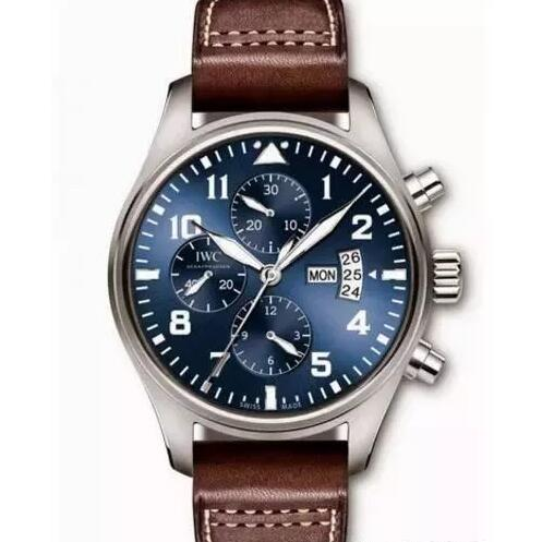 The IWC with blue dial makes the wearers very gentle.