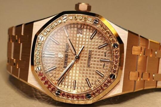 Best-selling knock-off watches present luxury with sapphires.