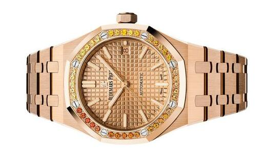 Forever reproduction watches are fashionable in pink gold.